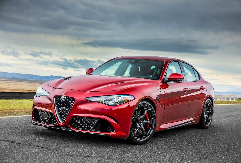 Alfa Romeo Giulia: Un Ferrari con piel de Sedán Familiar