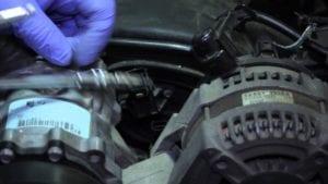 Al momento de retirar y reemplazar el sensor se recomienda el uso de guantes de goma