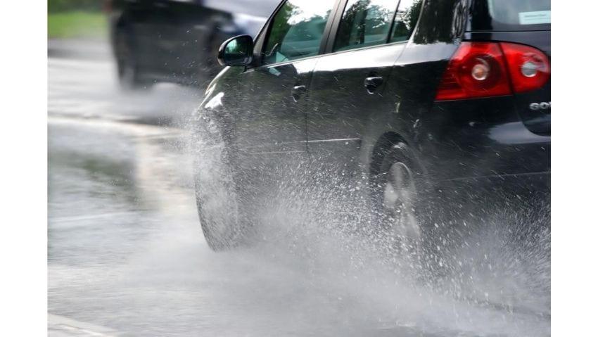 Consejos para Conducir Seguro en la Lluvia