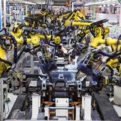 La coreografía de 2 mil robots de SEAT