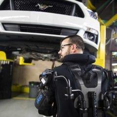 Exoesqueleto, tecnología de última generación en Ford