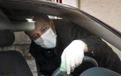 Desinfectar tu carro: Mantente a salvo del virus.